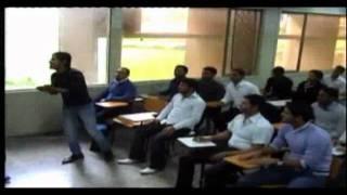 محاضرة المشاغبين جامعة بغداد ( طريقة تدريس حديثة )