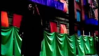 Смотреть клип Chaka Khan - Love Me Still
