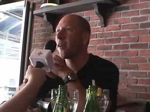 Alex Wagner se livre en direct à la radio (moment de FUN)   LA VIE MORNING KISSde YouTube · Durée:  32 minutes 18 secondes