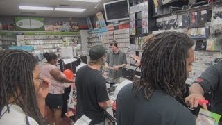 Grand Theft Auto 5 Gamestop Midnight Release And Unboxing!!