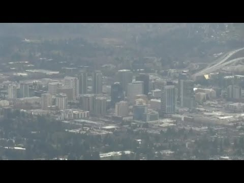 Seattle area - Seatac approach from the north - Mt. Rainier and other prominent area landmarks.