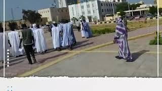 سكان بلدية لحريجات بالحوض الغربي يتظاهرون أمام القصر الرئاسي للمطالبة بتوفير الخدمات الأساسية