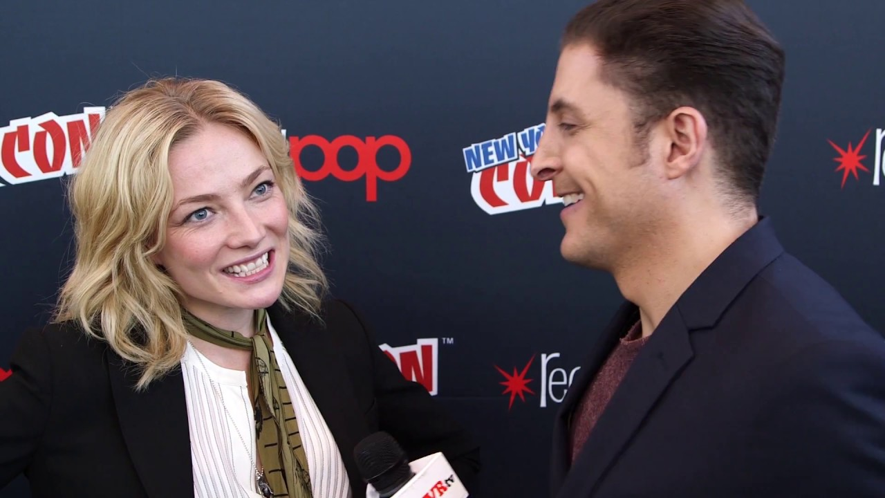 """clara paget on """"black sails"""" at nycc behind the velvet rope with"""