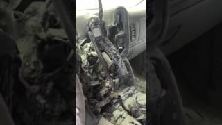 بالفيديو: شاحن هاتف محمول يحرق سيارة في السعودية