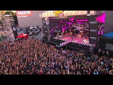 We can't stop-Miley Cyrus (En concierto)