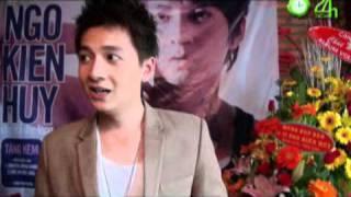 Khổng Tú Quỳnh dự họp báo album vol 3 của NKH