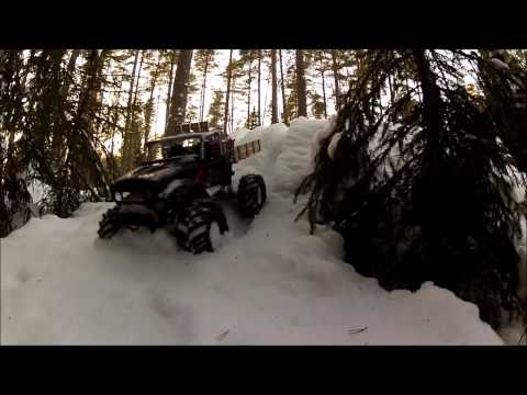 RC Scale 4x4 trucks Snow trail! Deep in the forest! 79 ford supercab and toyota landcruiser bj45