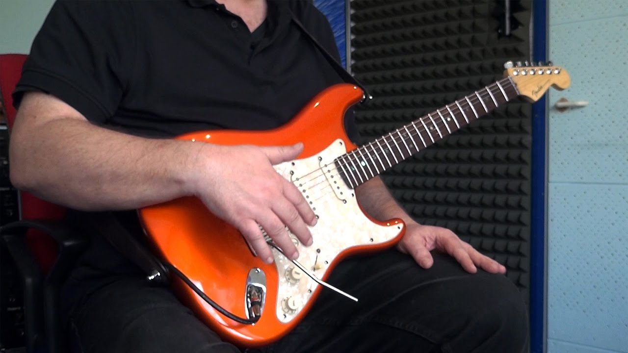 Fender Stratocaster Tone & Volume Control / Knob Tutorial / Guitar Lesson