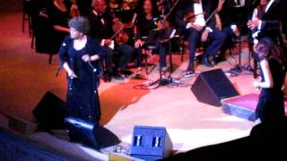 Shirley Caesar - Sweeping Through the City LIVE