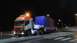 Gambar cover Transport kostry návěsu - Heavy transport - nadměrný náklad - Schwertransport