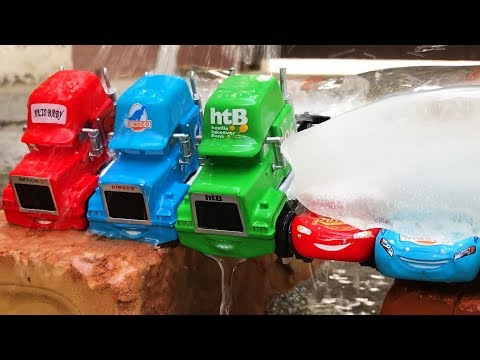 Ice Mack Truck Hauler Lightning McQueen Race - Toy Cars Getting Frozen and Unfrozen | Video for Kids