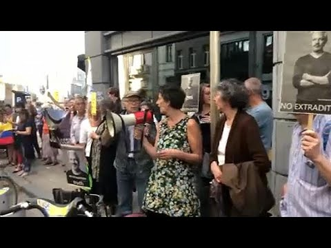 اعتصامٌ أسبوعيٌ أمام السفارة البريطانية في بروكسل للمطالبة بالإفراج عن جوليان أسانج…  - نشر قبل 1 ساعة