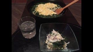 Салат с копченой рыбой, рисом и яйцом