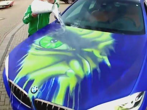 Lack-Zauberei: Auto wechselt in Sekundenschnelle die Farbe -  nur durch Wasser