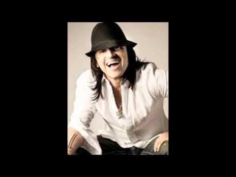 Elvis Crespo-Algo En Tu Cara Me Fascina