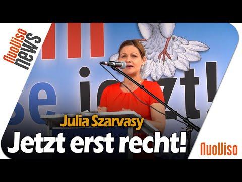 Julia Szarvasy - Rede vor dem Brandenburger Tor (Kündigt Ramstein)