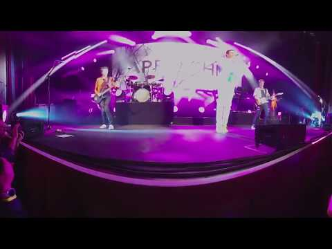 """Paper Gods"" 360 Degree Virtual Reality performance"