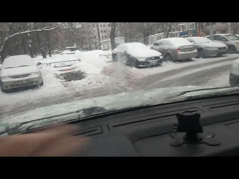 Почему зимой Terrano, а не паркетники,  пузотёрки?  Всегда есть парковочные места .