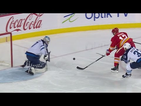 Bouma not phased by goalie change, chips one past Hellebuyck