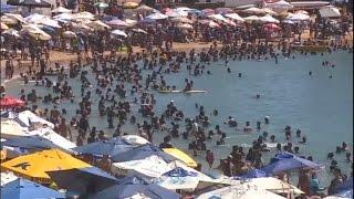 Turistas resolvem esticar o Réveillon e lotam as praias em todo o Brasil