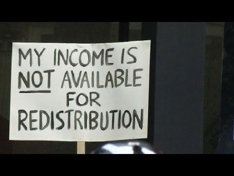 EconoMinute: Universal Basic Income