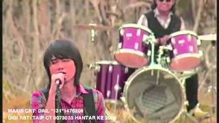 Grey Sky Morning - Gadis Pemalu (Official Music Video)