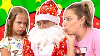 Мальчики Против Девочек! Кто лучше украсит Новогоднюю Елку? Папа или Амелька с мамой?