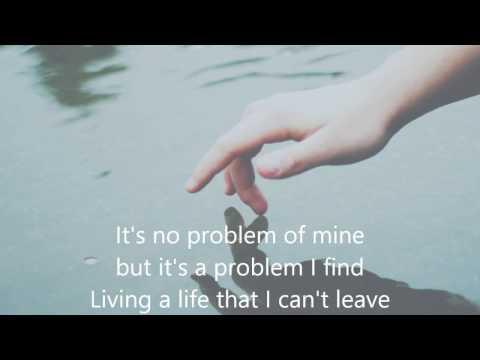 Frente-Bizarre love triangle (Lyrics)