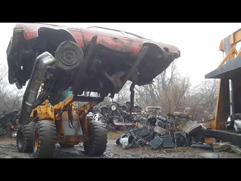 Car crusher crushing cars 43