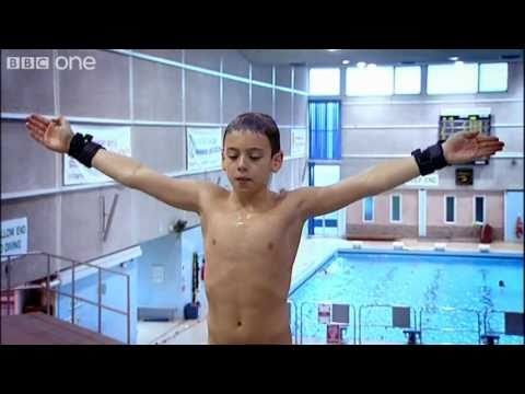Tom Daley Learns a New Dive - Tom Daley: The Diver and his Dad, Preview - BBC One