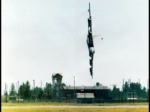 Download Inside The Black Box (Aviation Disasters) Episode 5 - USAF Czar 52 (Fairchild B52 Incident)