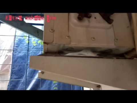 Contoh ac bocor freon (eg air cond leaking freon)