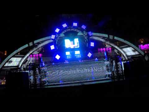 armin van buuren a state of trance. Armin van Buuren - A State of Trance 677 (21.08.2014) - слушать и скачать mp3 на большой скорости