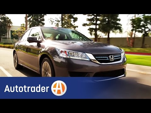 2015 Honda Accord Hybrid | 5 Reasons to Buy | Autotrader