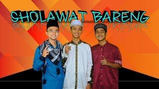 Download lagu Gus Azmi Syakir Daulay Ceng Zamzam Sholawat Bareng Yang Cewek Jangan Baper MP3