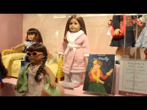 American Girl Place Chicago Molly And Emily's Display