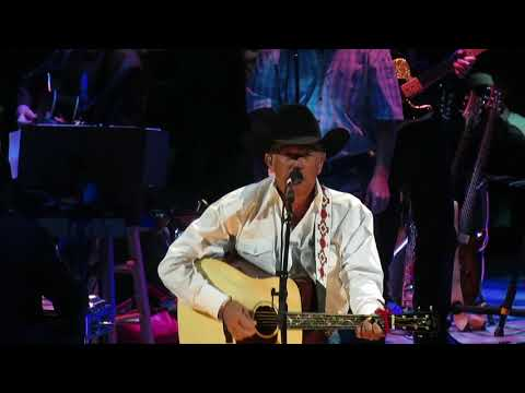 George Strait - Give It Away/DEC 2017/Las Vegas, NV/T-Mobile Arena