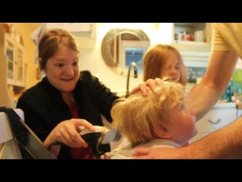 how to cut toddler boy hair using clippers