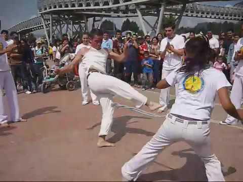 Axé Capoeira Bogota promo video 2009