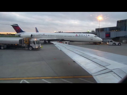 Delta Air Lines MD-88 Takeoff from Albany