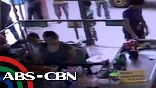 Nakunan sa CCTV sa isang shopping center sa Magsaysay street ang pa...
