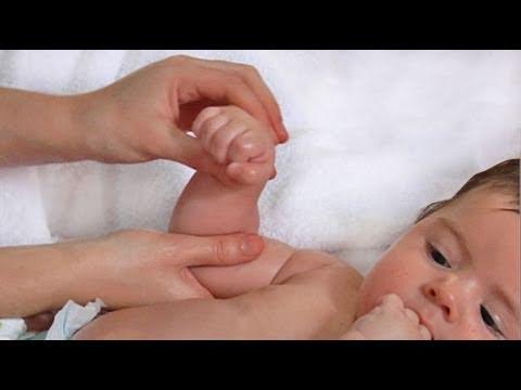 C mo hacer un masaje estimulante para los beb s youtube - Como hacer un dosel para cuna ...