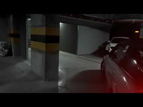 Парковка передом в подземном гараже, боксе. Заезд и выезд задом. Повтор заезда задним ходом