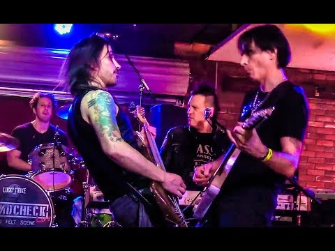 """Yankee Rose"" with Steve Vai & Nuno Bettencourt"