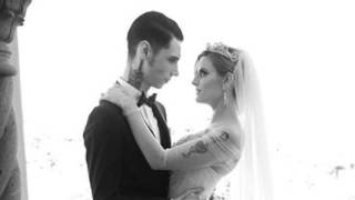 Juliet Simms and Andy Biersack - Lost It All (wedding version)