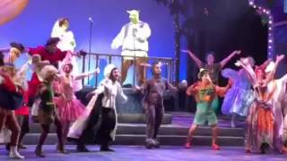 Shrek the Musical - Bows