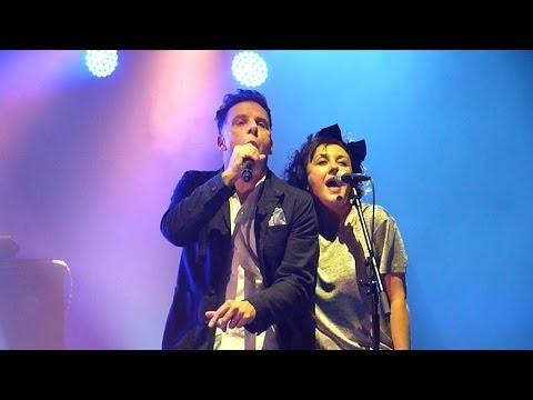 Deacon Blue - Real Gone Kid (Live - O2 Apollo, Manchester, UK, Dec 2013)