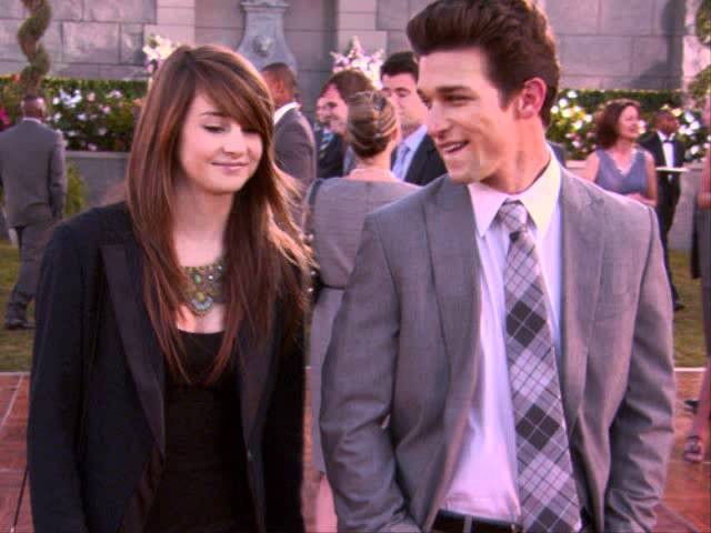 Shailene Woodley And Daren Kagasoff Good Life Youtube He currently stars as ricky underwood on the teen soap, the secret life of the american teenager. shailene woodley and daren kagasoff
