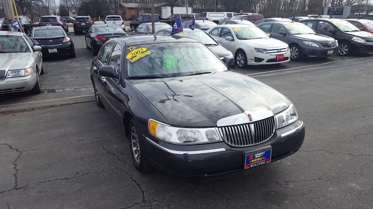 Rare 2002 Lincoln Town Car Signature