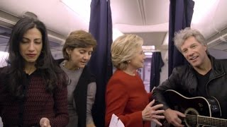 Mannequin Challenge: Watch Hillary Clinton Join Aboard Campaign Plane